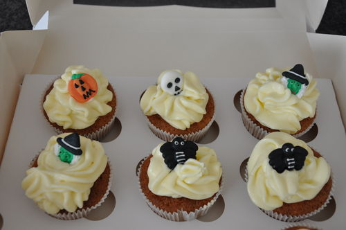 Mini Halloween Cupcakes 1 / 12 Mini